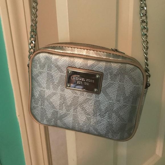Michael Kors Handbags - Michael Kors cross body